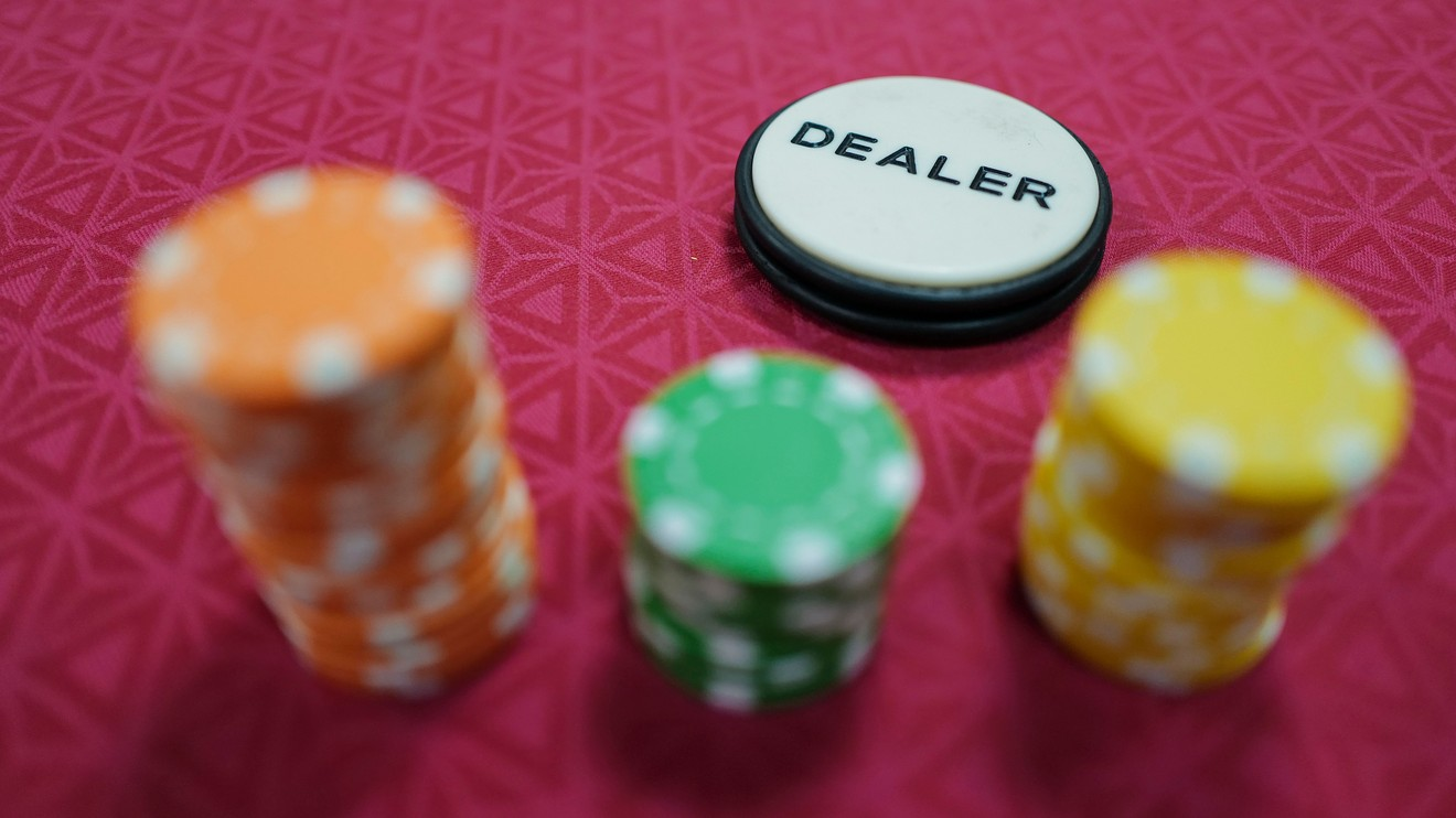 How to Play Online Poker Despite Being Fruitful